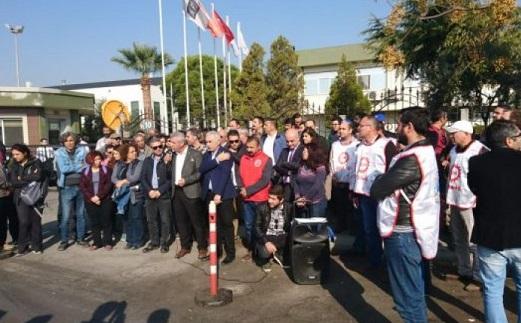 TARİŞ işçilerinden patrona uyarı: Mağaza önlerini eylem alanına çeviririz