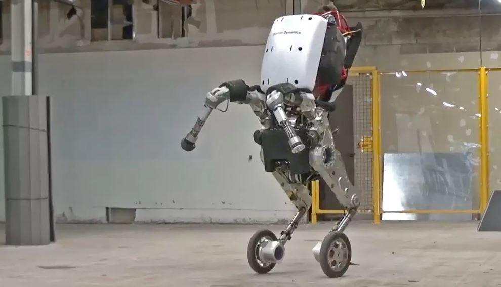 Boston Dynamics'in yeni robotu geleceği şekillendiriyor