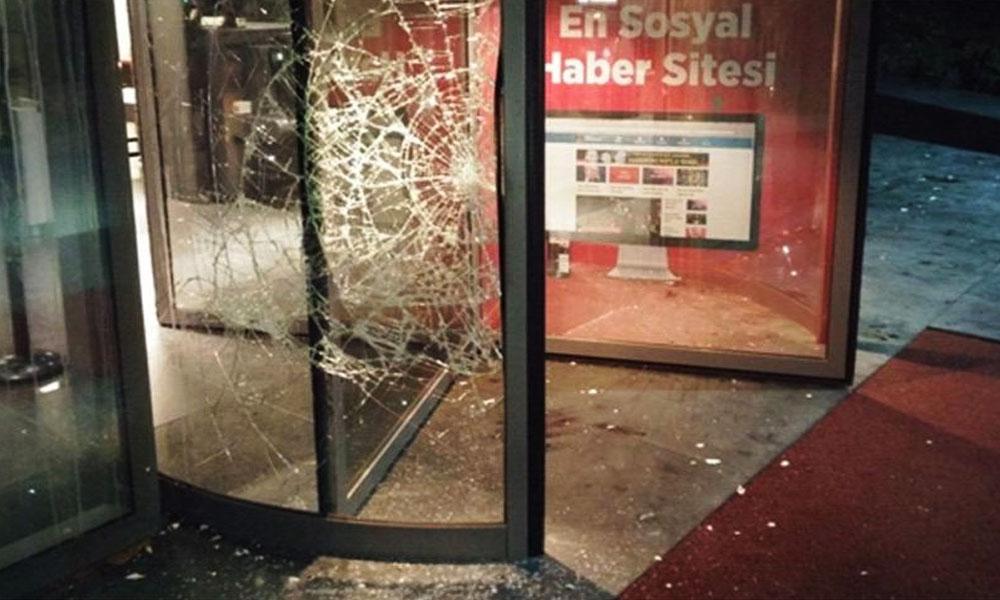 Hürriyet gazetesine saldırı davasında karar! 26 kişi saldırdı 1 kişi ceza aldı !