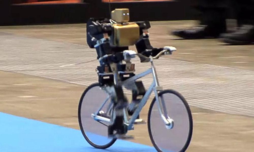 Bisiklet süren robot!