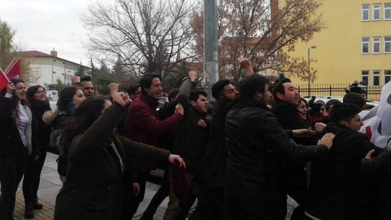 Ankara'da TGB üyelerine polis müdahalesi!