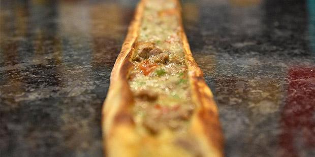 'Recai' adı verilen hamurlu yiyecek, etli ekmeğe rakip oldu