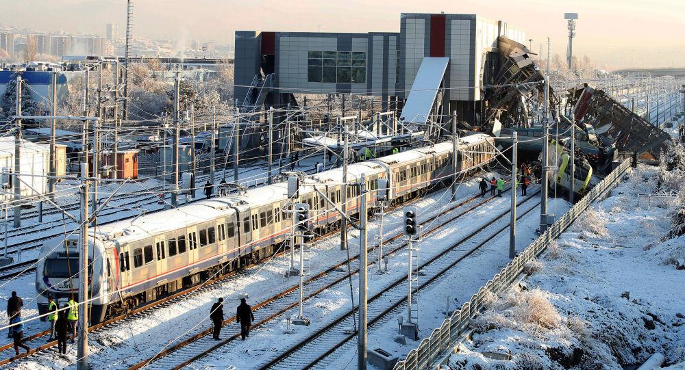 'Hızlı Trenlerin sinyalizasyon işleri başta olmak üzere 2 bine yakın proje sorunlu'