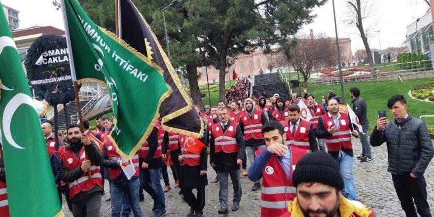 Osmanlı Ocakları FOX TV binası önünde toplandı