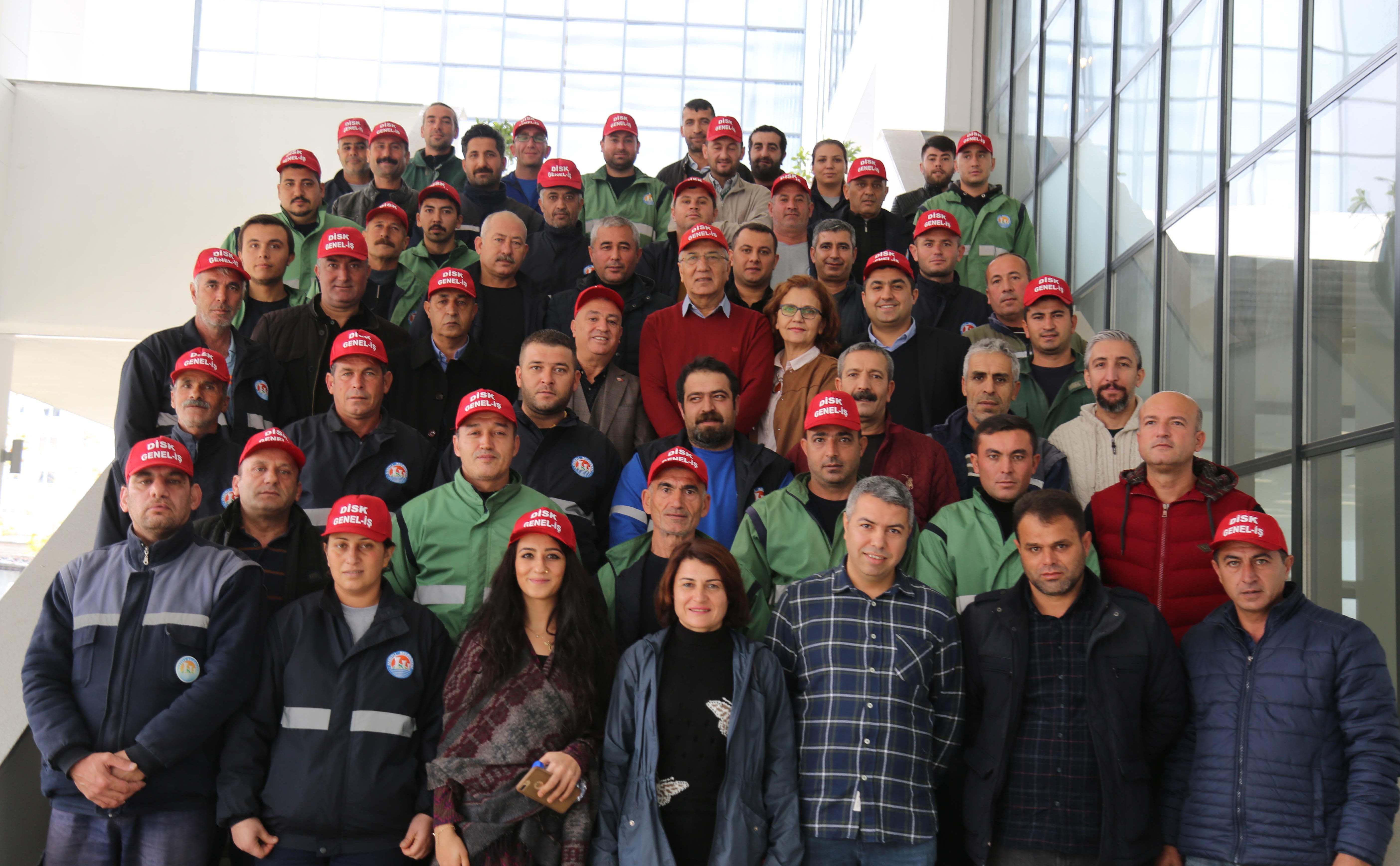 454 işçinin toplu sözleşme sevinci