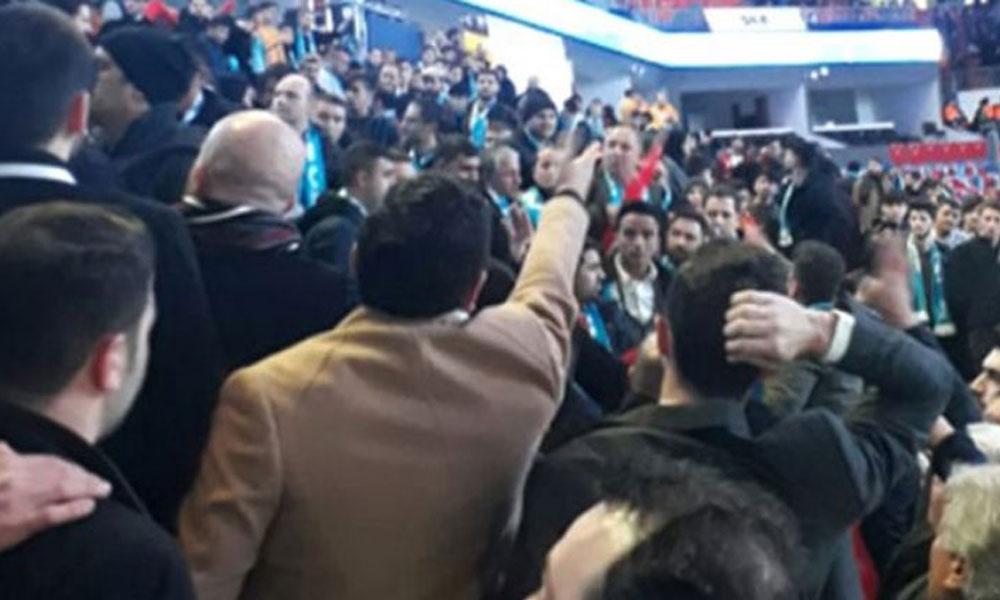 AKP'nin aday tanıtım toplantısı karıştı: Polis müdahale etti