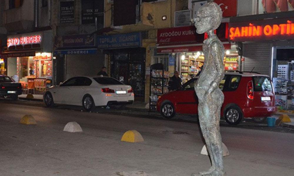 Kadıköy'deki Avanak Avni heykeli çalındı!