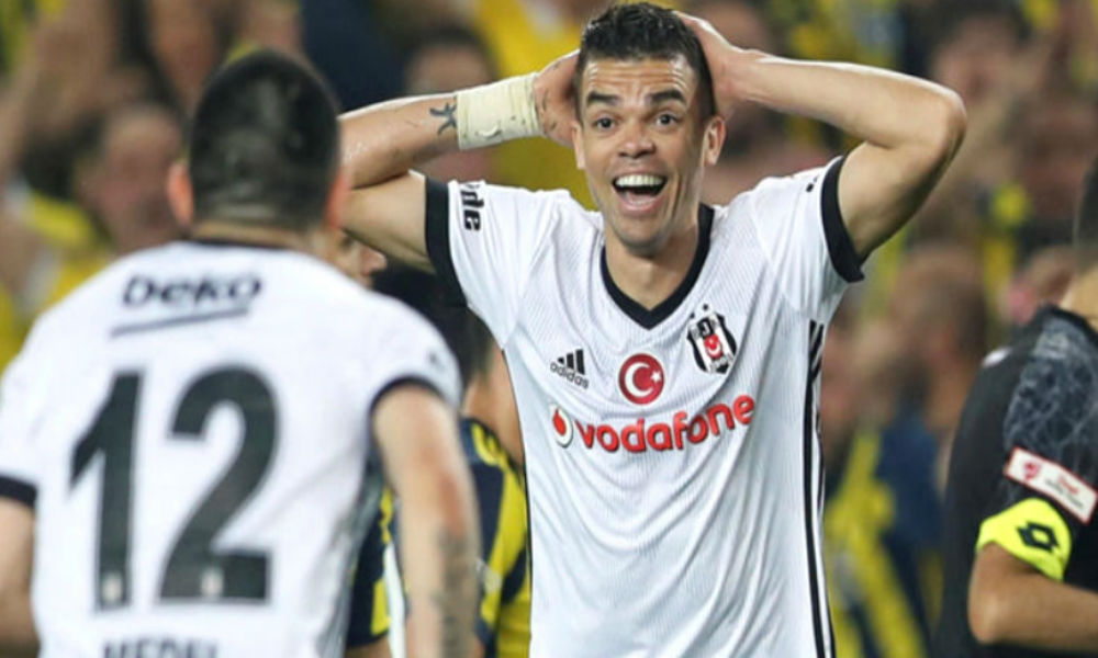Beşiktaş'ta Pepe ile yollar ayrıldı!
