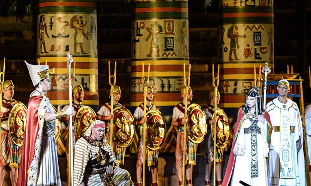 Kürt soprano: Opera Kürtlerden çıktı