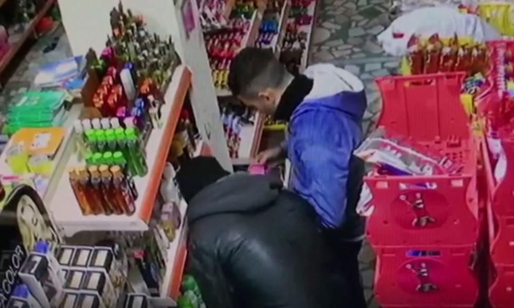 Arnavutköy'de bıçaklı market gaspı