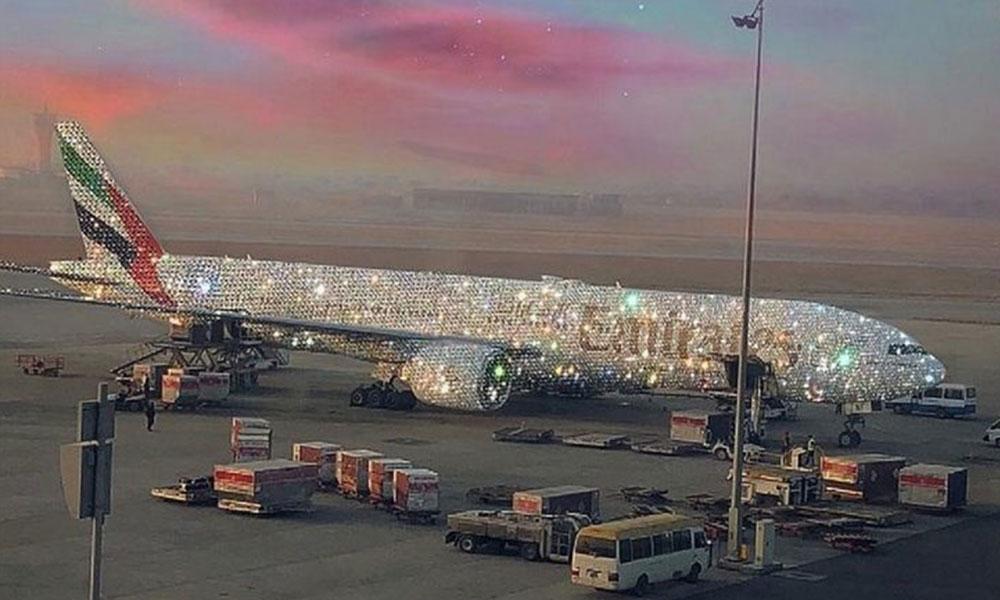 Havayolu şirketinin 'elmas kaplama' uçağı olay oldu!