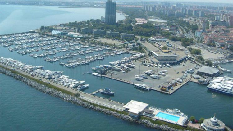 '1. Derece Deprem Bölgesi'ne Marina görünümlü AVM
