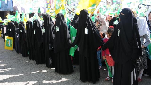 AKP'li vekil 'şeriatçı parti' ile ittifaka açık kapı bıraktı