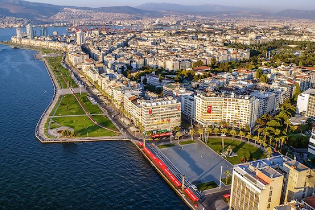 10 ayda 8 binin üzerinde İranlı İzmir'den ev satın aldı