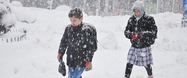 İşte kar yağışı nedeniyle eğitime bir gün ara verilen iller!