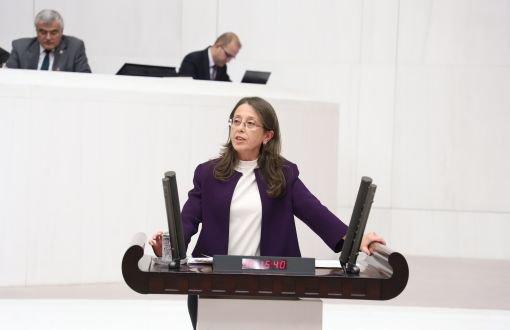 Öğretmenlere topuklu ayakkabı yasağı Meclis'te