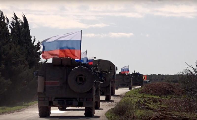 Rus ordusu Menbiç'te YPG ile ortak devriye