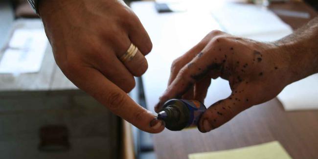 Uzun zamandır konuşuluyordu: 'parmak boyası' teklifi mecliste