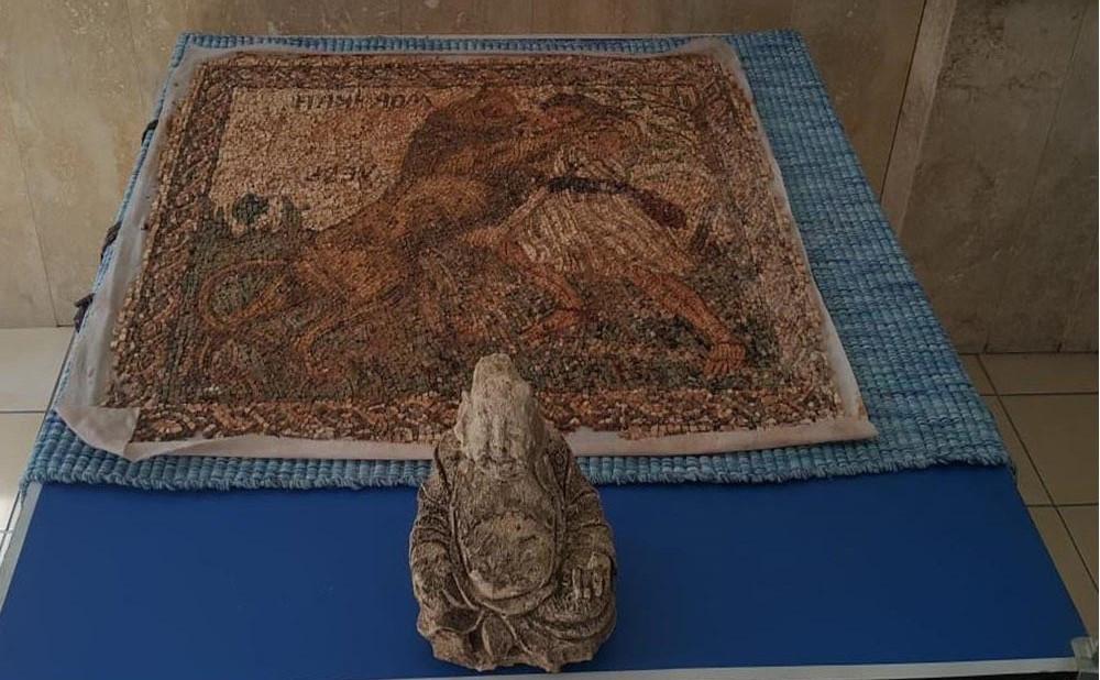 Tarih katliamı: Roma dönemine ait mozaik bagajdan çıktı!