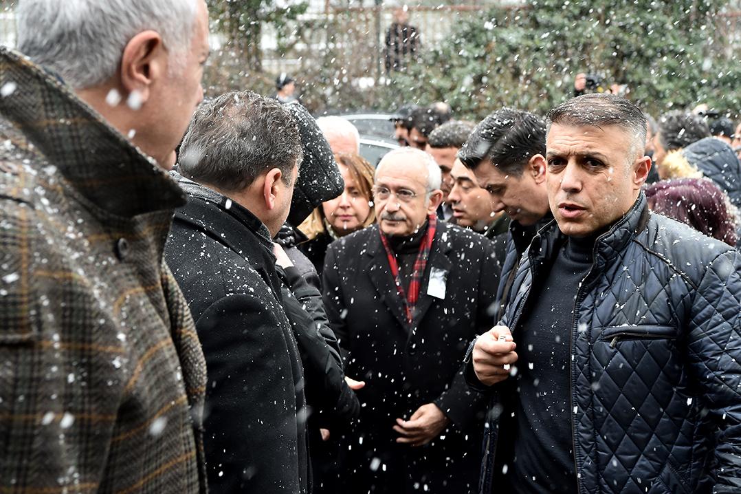 Kılıçdaroğlu, milletvekili Gürsel Erol'un annesinin cenazesine katıldı