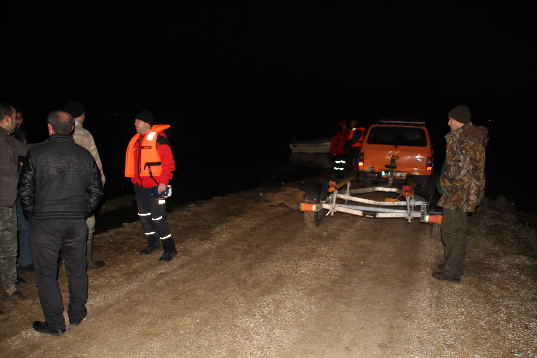 Kayık alabora oldu: 1 ölü, 1 yaralı ve 2 kişi kayıp