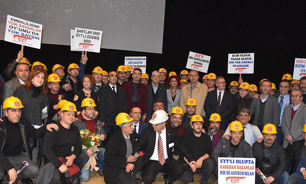 'Emeklilikte Yaşa Takılanlar' İzmir'de buluştu!