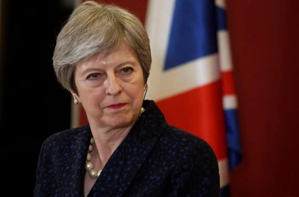 Theresa May'den AB ile yeniden müzakere sinyali