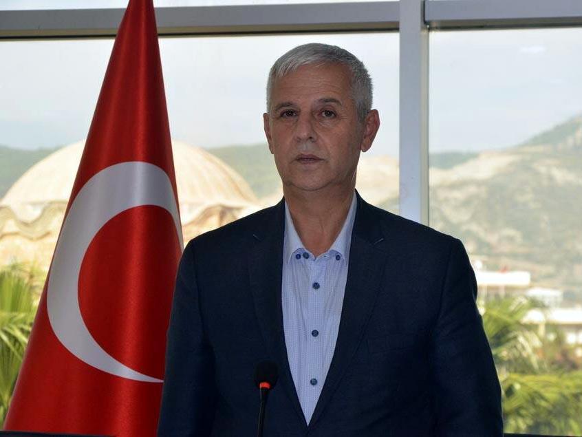 CHP'den istifa eden belediye başkanı, DP'den aday oldu