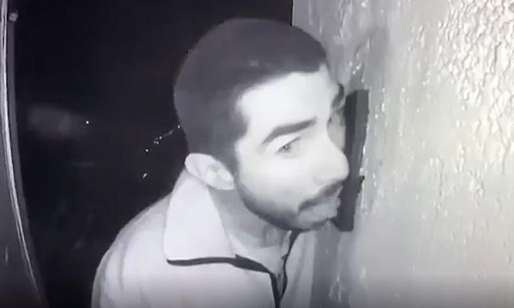 ABD polisi 3 saat boyunca kapı zilini yalayan adamı arıyor