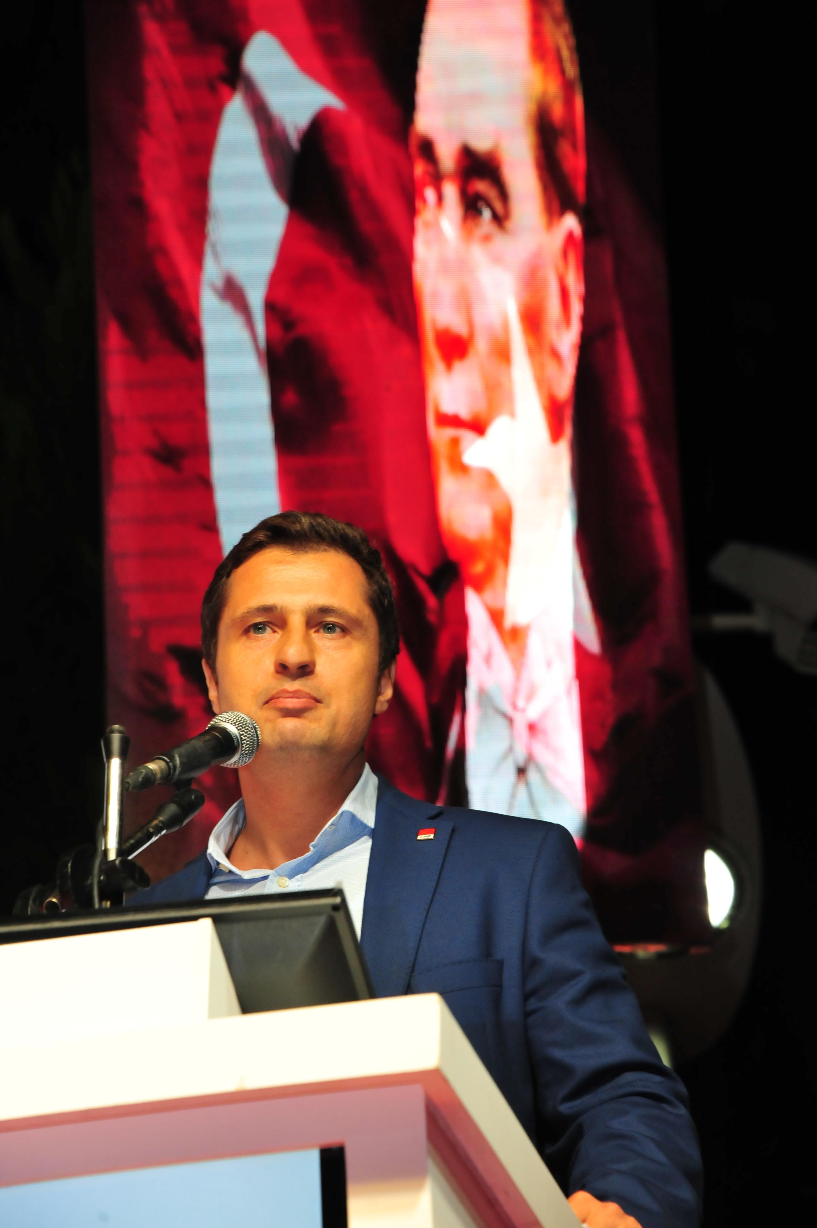 CHP, 10 Ocak'ta işsiz gazetecilere dikkat çekti