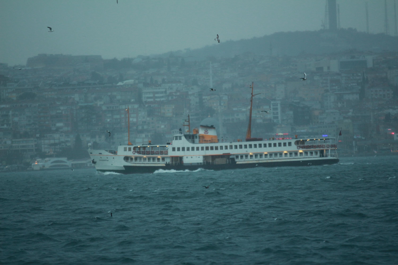 İstanbul'da sağanak yağmur ve şiddetli rüzgar