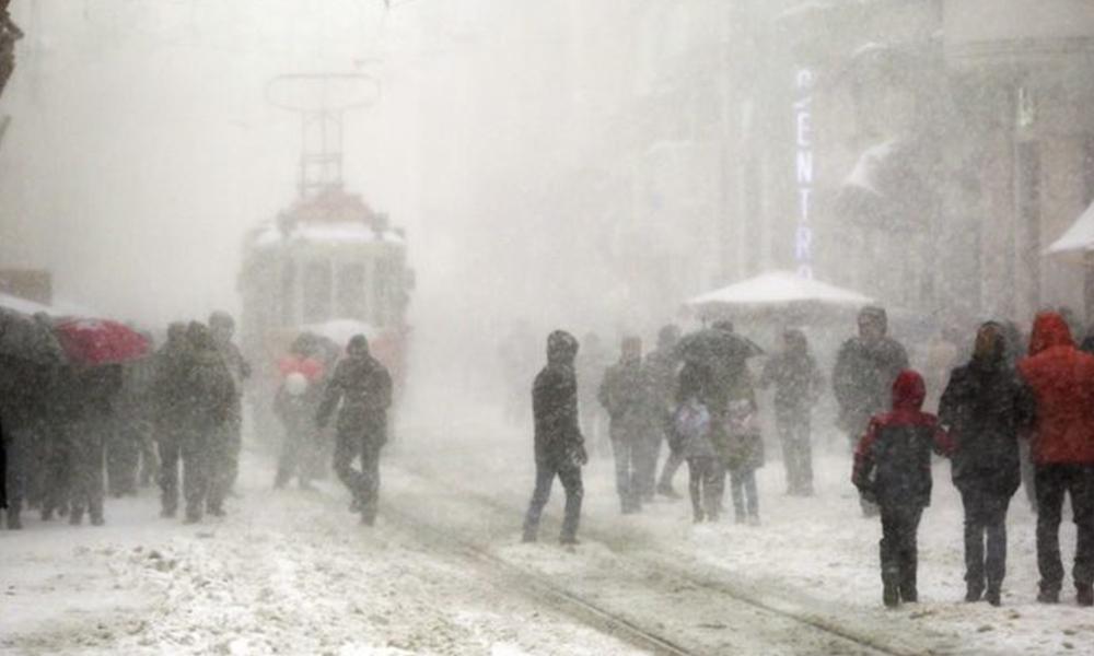 İstanbul kara büründü