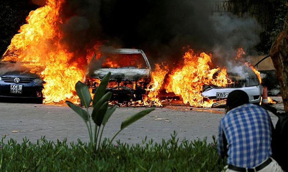 Kenya'da otelde patlama ve silah sesleri