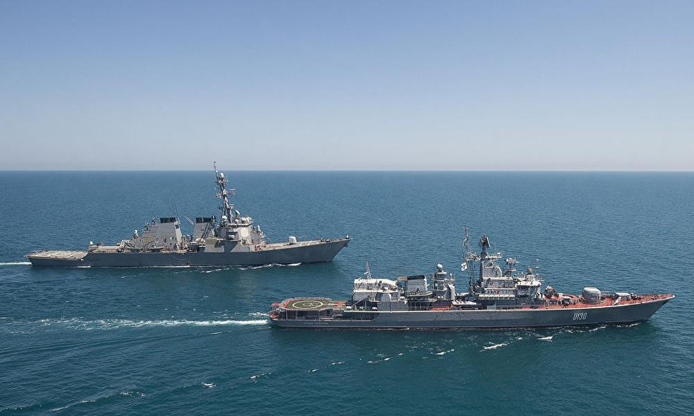 Rus gemileri, Baltık denizinde ABD'ye ait iki destroyer gemisine refakat ve gözlemcilik ediyor