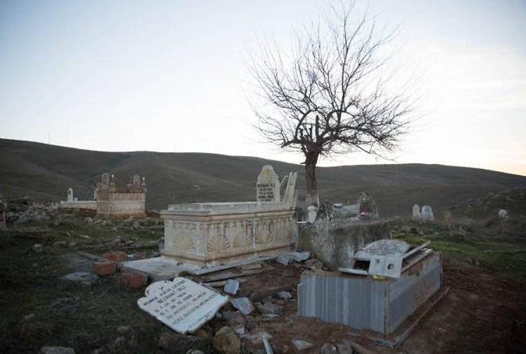 Batman'da Ezidi mezarı tahrip edildi, konu Meclis'e taşındı