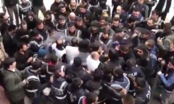 CHP'li Bekaroğlu: Vekiller dövülüyor, sesimizi çıkarmayacak mıyız?