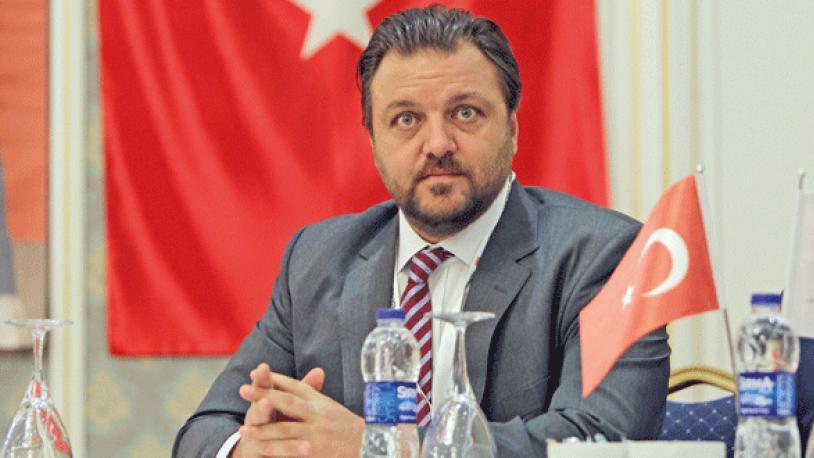 AKP'li aday seçim çalışmasını okulda yaptı!