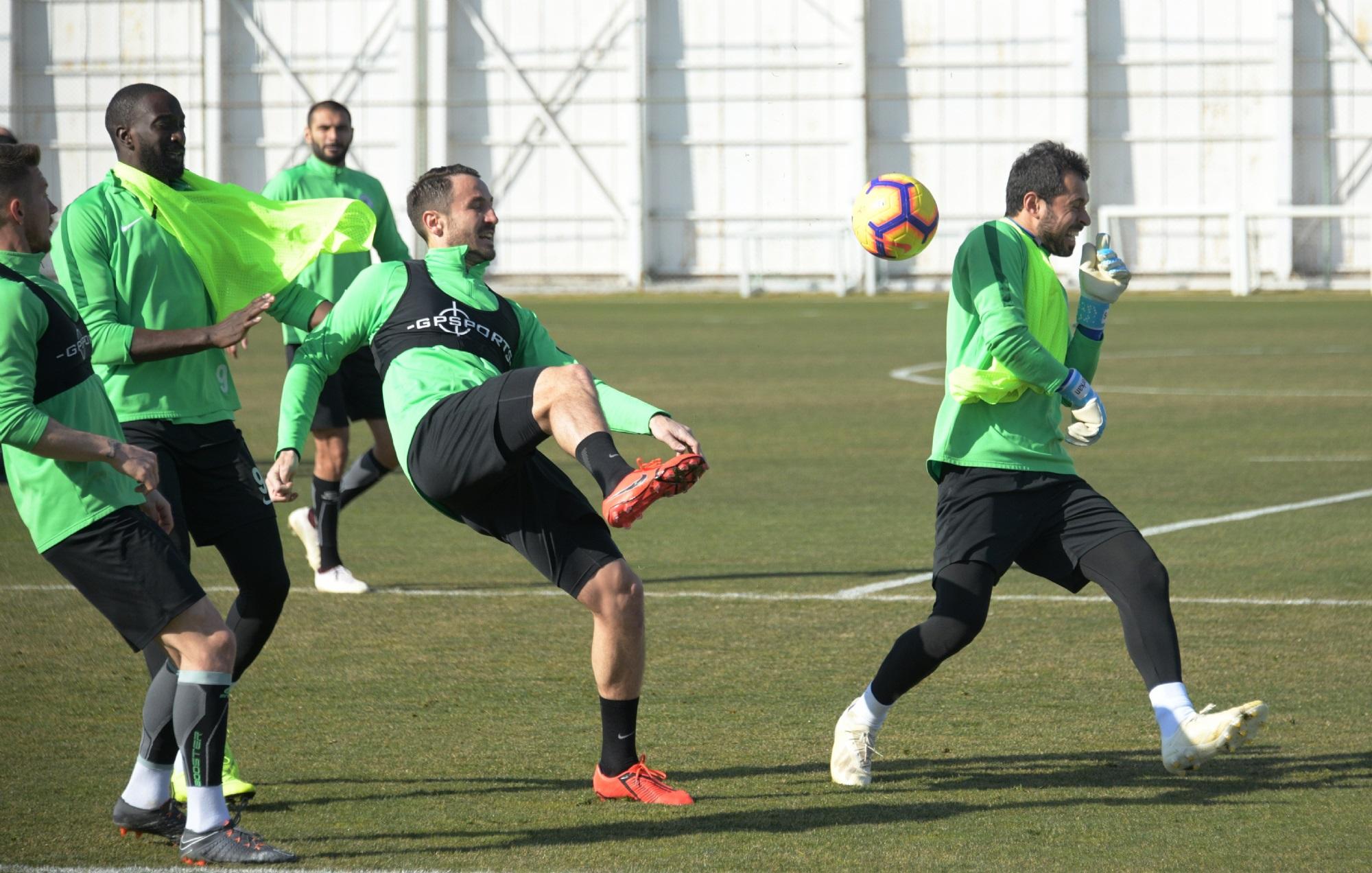 Atiker Konyaspor'da Kayserispor maçı hazırlıkları sürüyor