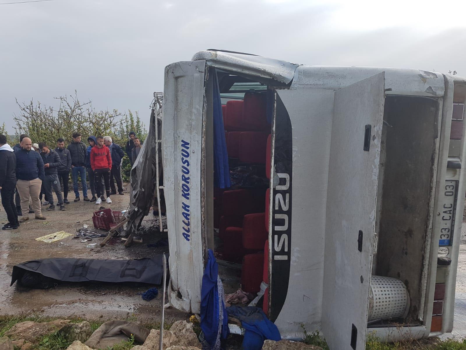 Tarım işçilerini taşıyan midibüs devrildi: 1 ölü, 15 yaralı