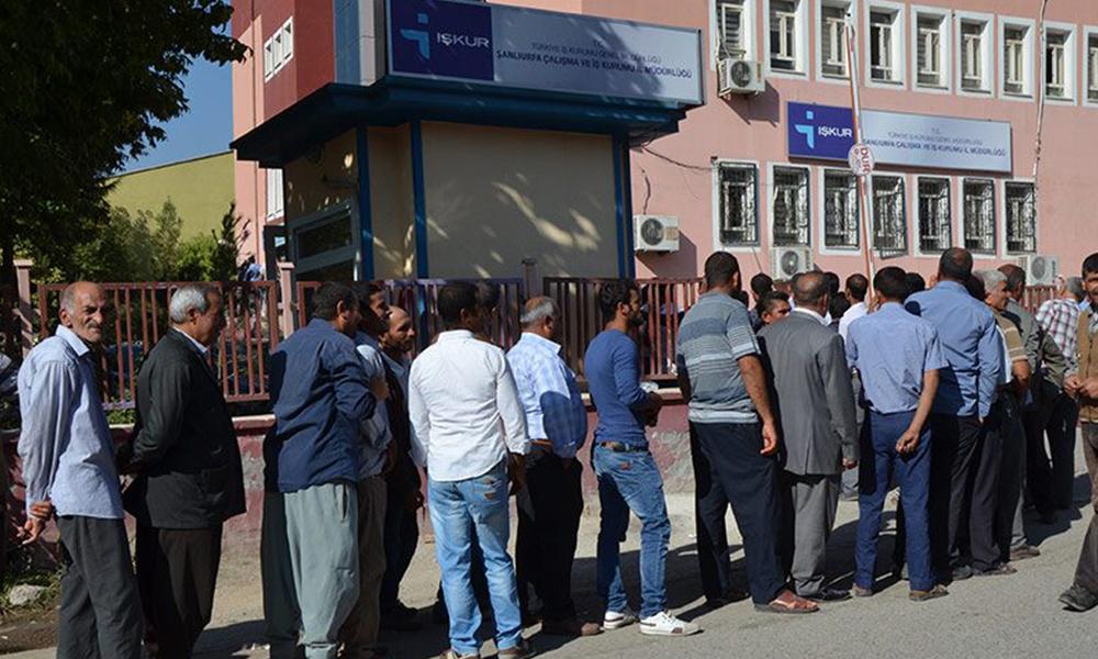 İşsizlik patladı: Yılın ilk 4 ayında işsizlik ödeneği başvuruları yüzde 59 arttı