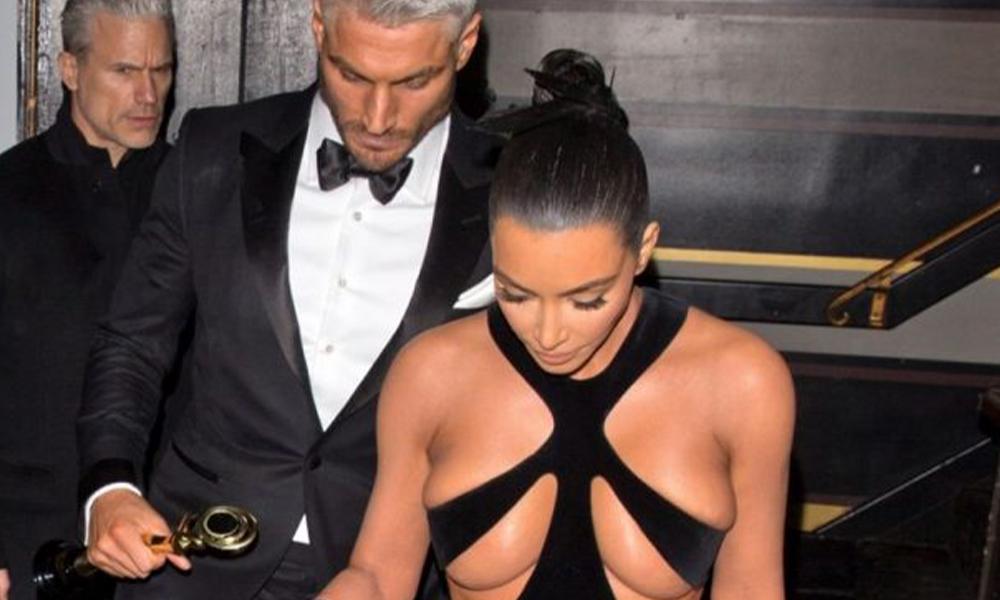 Kim Kardashian, kıyafetiyle geceye damga vurdu