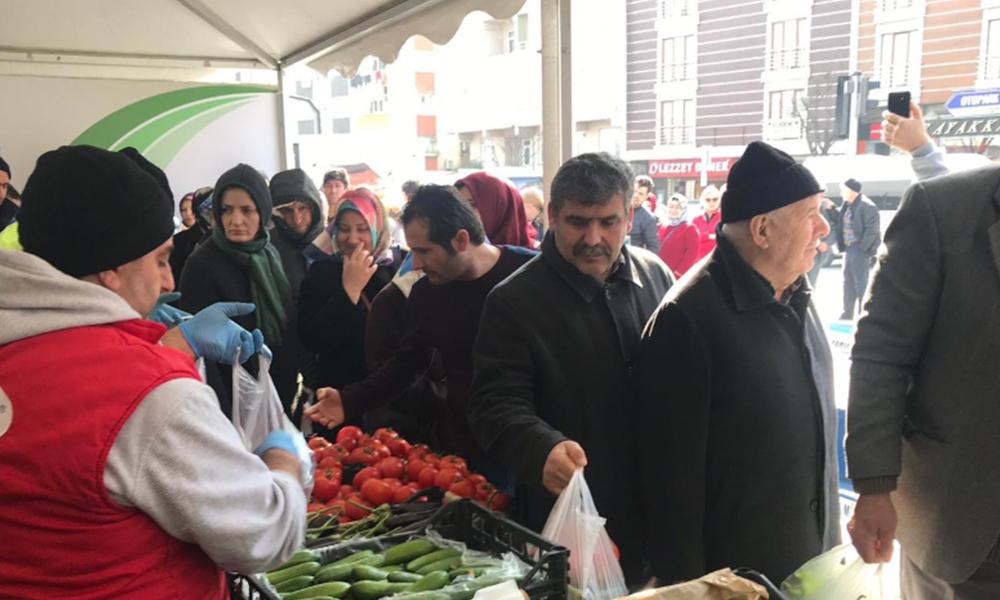 Türkiye bunu da gördü… Patlıcan biber kuyruğu