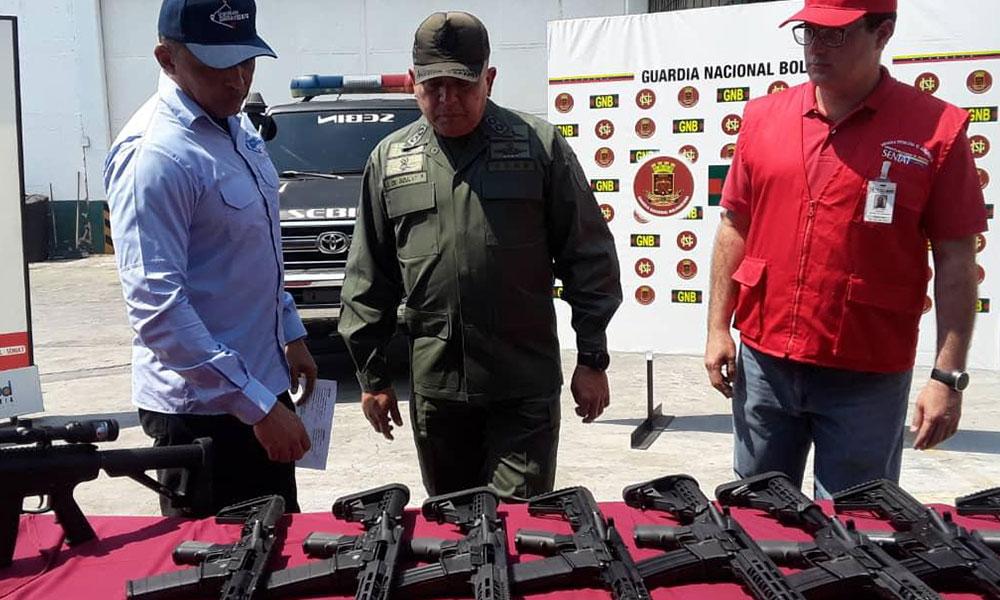 Venezuela polisi, ABD'den gönderilen silah ve mühimmata el koydu