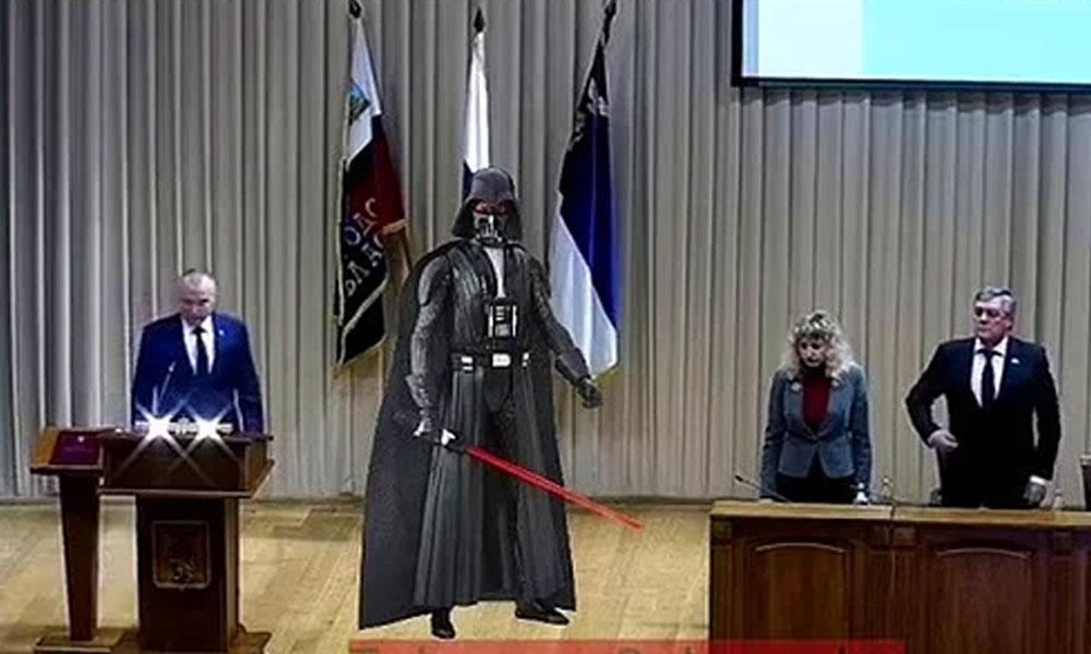 Star Wars müziğiyle yemin eden vali, espri konusu oldu