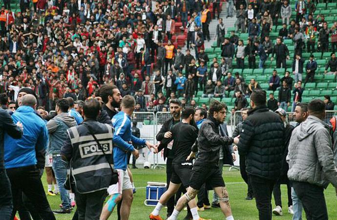 Amedspor futbolcusu Mansur Çalar, PFDK'ya sevk edildi