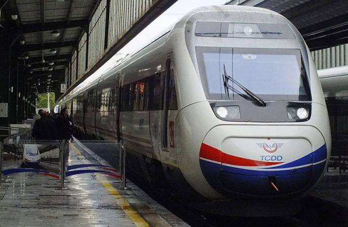 Bakan Turhan: Hızlı tren önümüzdeki hafta Halkalı'ya kadar hizmet verecek