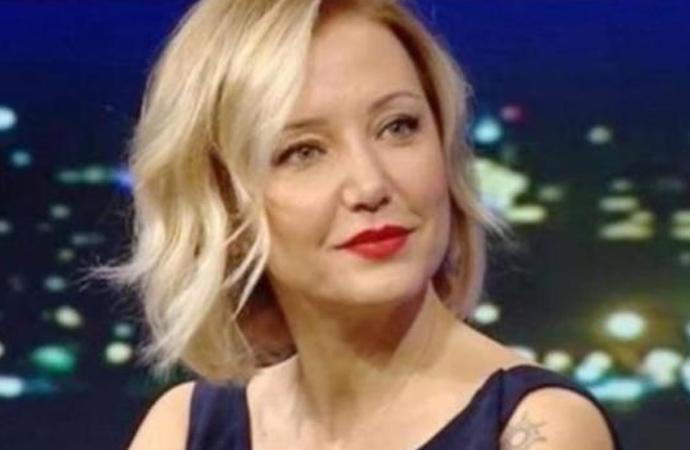 Berna Laçin Sağlık Bakanı Fahrettin Koca'yı tiye aldı