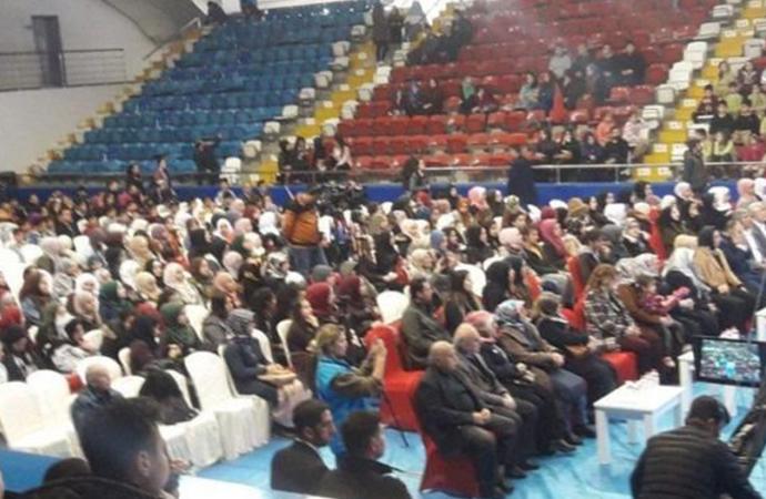 'Şehadet bilinci' konferansına götürülen 30 öğrenci hastanelik oldu!