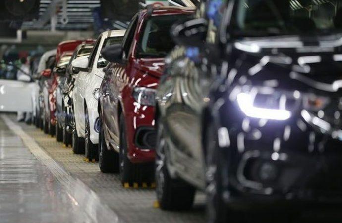 Otomobil pazarı seneyi 2003'den bu yana en düşük satışla kapattı!