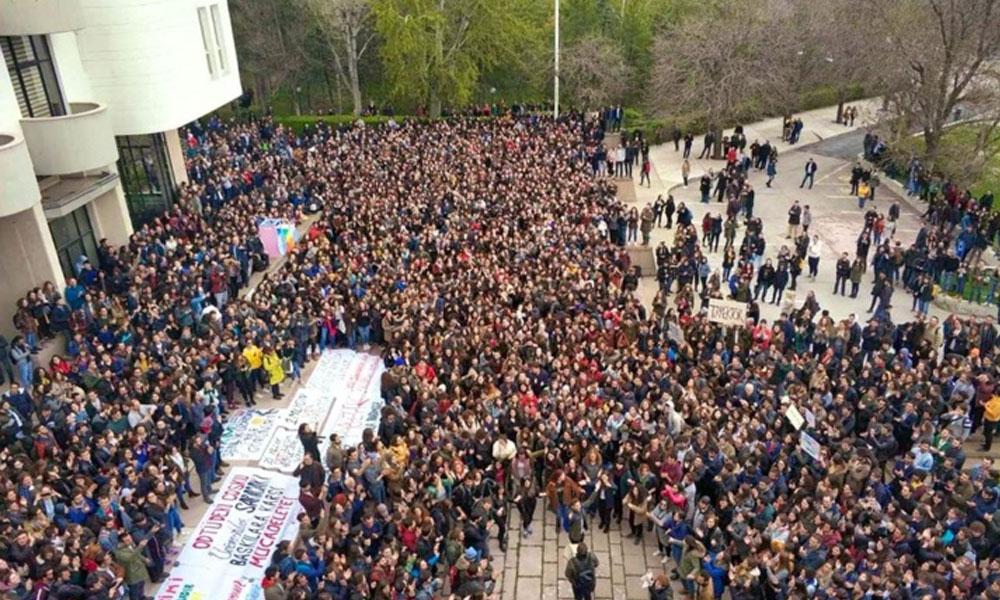 ODTÜ'de şenlik erken başladı… Hem de rektörlüğün önünde!
